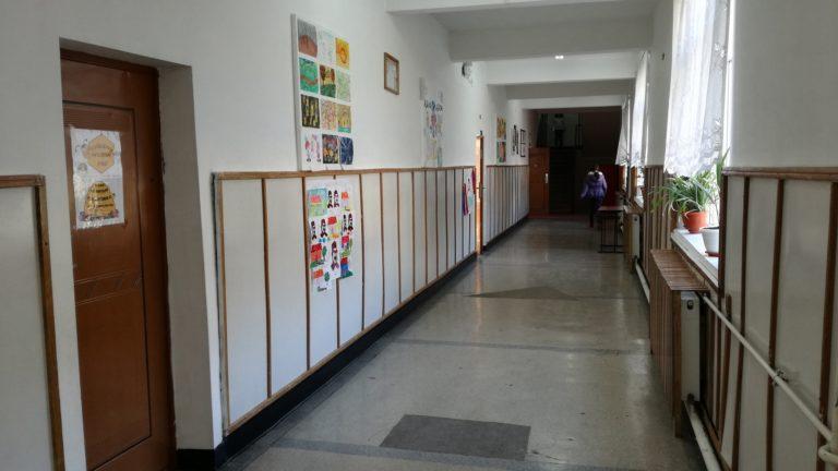 Inspectoratul Şcolar Prahova este împotriva unirii şcolilor -Vezi declaraţia primarului Adrian Dobre-VIDEO