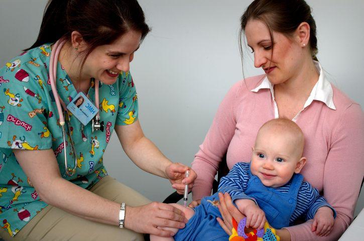 """Directorul DSP Prahova schimbat pentru """"neîndeplinirea programului de vaccinare"""""""