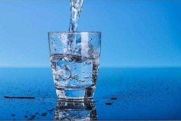 Acţiuni de spălare-igienizare a rezervorului de alimentare cu apă a oraşului Plopeni
