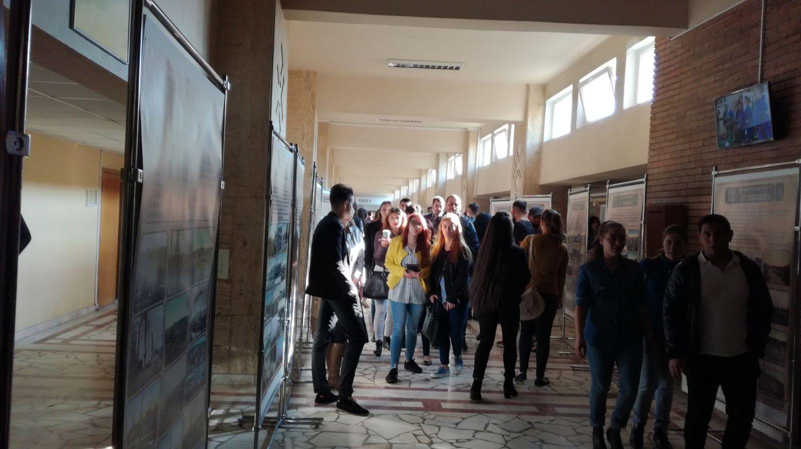 Înscriere simplificată la facultate şi examene online în universităţile din România