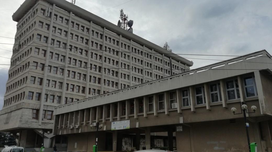 Hotărârea CJ Prahova privind restructurările a fost suspendată de Tribunalul Prahova!
