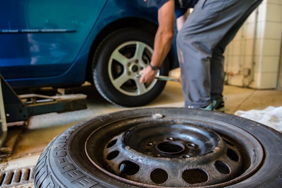 De ce să nu-ţi repari maşina la service-ul partener al asiguratorului?