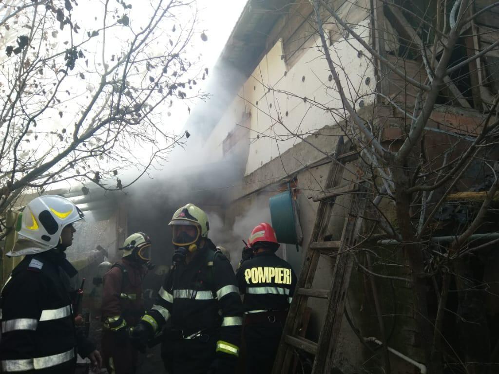 Ploiesti: Pompierii au mers la un incendiu, dar era o cratiță uitata pe foc