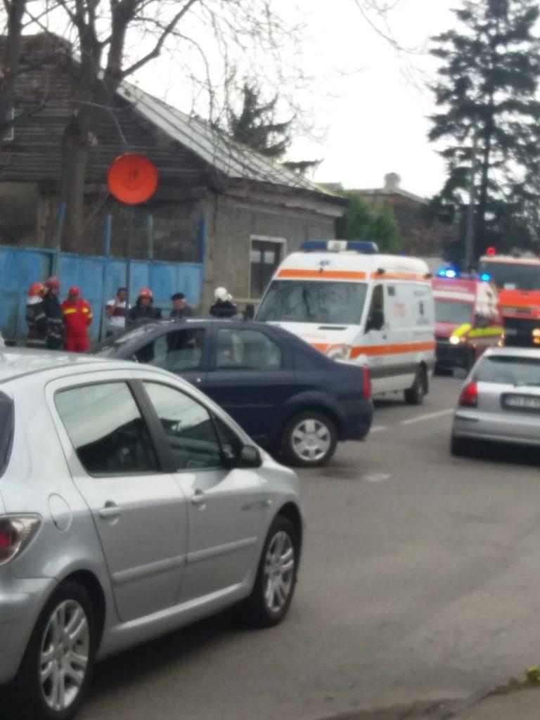 Un bărbat a ajuns la spital după un accident în cartierul Albert