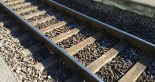 200 de călători dintr-un tren privat au fost evacuaţi în Halta Posada