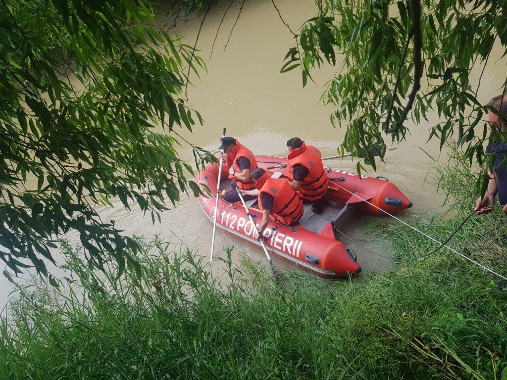 ISU Prahova continuă căutările în cazul bărbatului dispărut în râul Ialomița