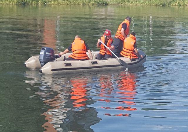 Video-Pompierii de la ISU Prahova au salvat o femeie din Barajul Paltinu