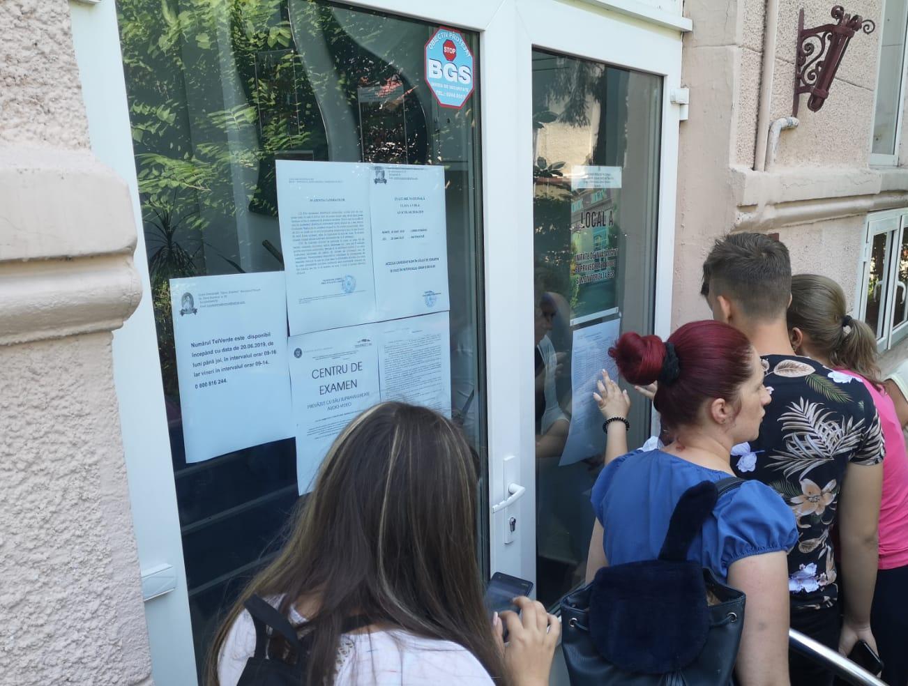 8 din cei 4851 de candidaţi din Prahova au obţinut media 10 la Evaluarea Naţională