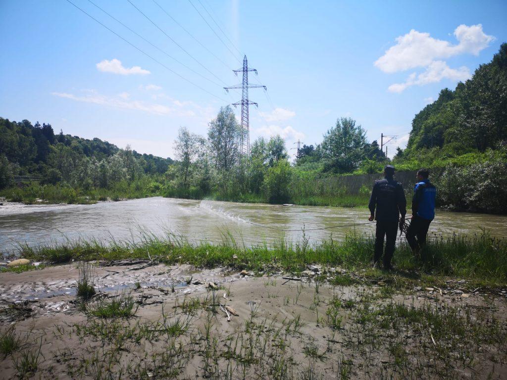 A fost găsit trupul bărbatului luat de râul Prahova