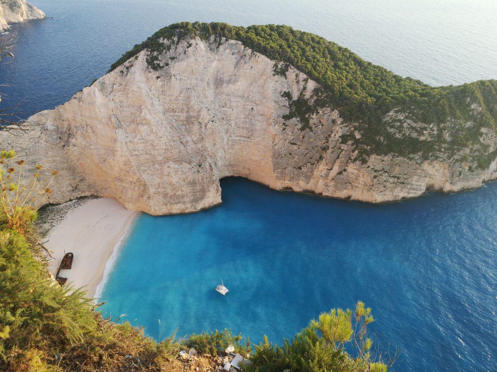 Video Reportaj-De ce trebuie să mergeţi măcar o dată în viaţă, în vacanţă, pe Insula Zakynthos!