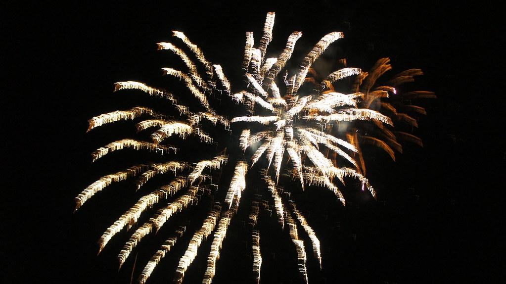 Idee în lucru: Ploieştenii s-ar putea bucura de focuri de artificii de Anul Nou, lansate din patru zone