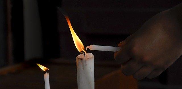 Catolicii pot participa la slujba de Înviere. Circulaţia liberă în 3 şi 4 aprilie între orele 20.00-02.00