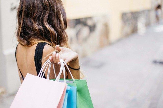 Blejoi: O femeie venise la mall, fara masca, deși se afla in carantina