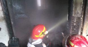 Incendiu la Breaza într-o locuință
