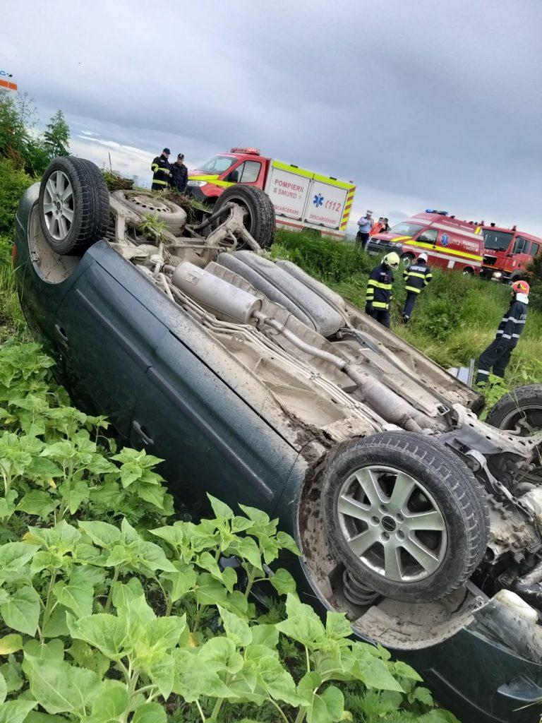 Un șofer s-a răsturnat cu mașina la Berceni